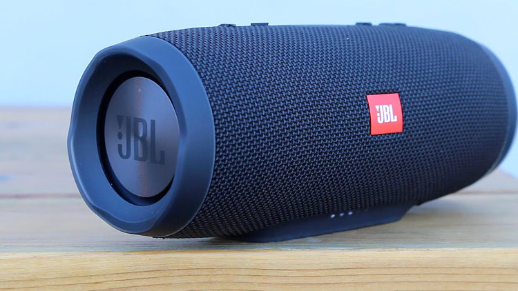 JBL Charge 3 review - portable bluetooth speakers