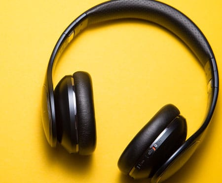 over -Ear Headphones - headphone buying guide tips 2018