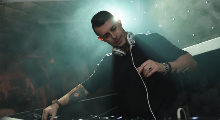 How to Choose Perfect Headphone for DJing party