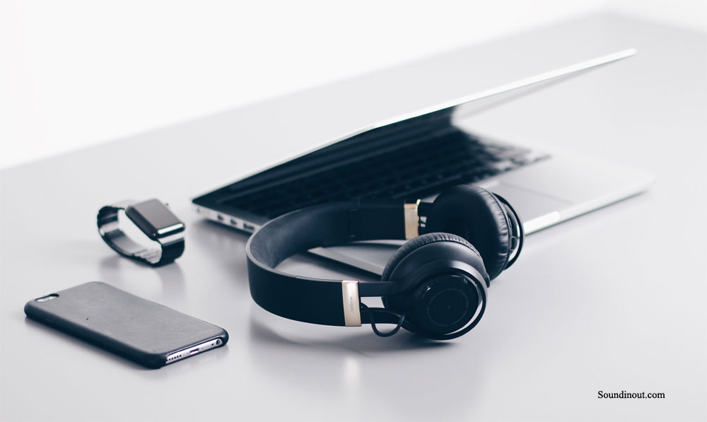 How to Take Care of Your Headphones the Right Way